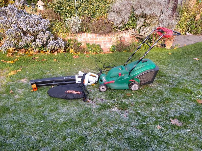 Von Haus Leaf Mulcher vs Qualcast Rotary Lawnmower